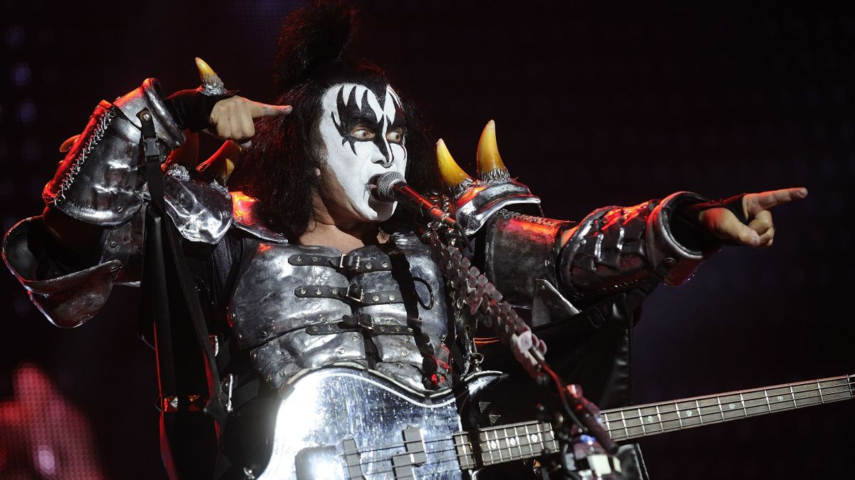 Kiss-HellFest-ParisBazaar-Borde