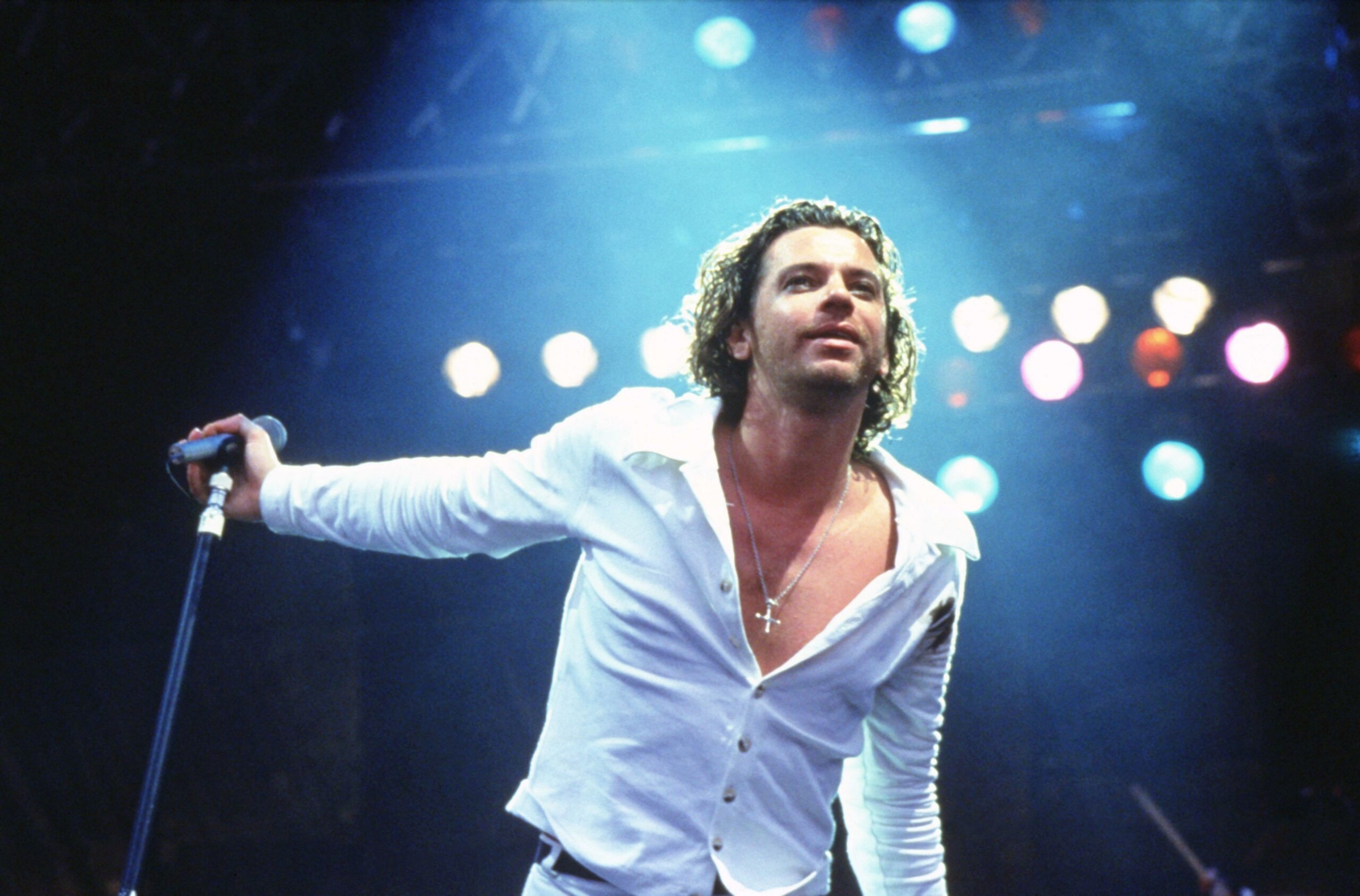 Hutchence-Live-ParisBazaar-Borde