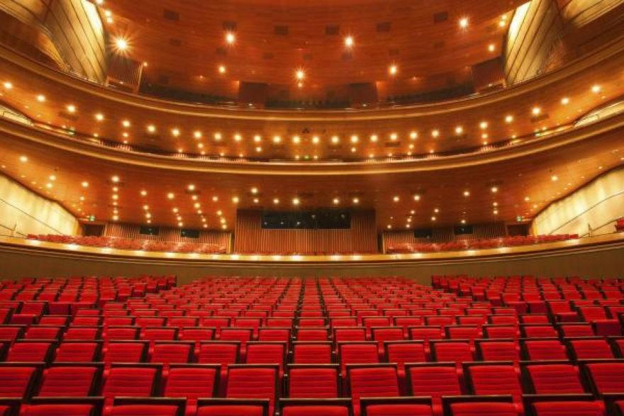 Théâtre-Novembre au Théâtre avec Rosemary-ParisBazaar-Rosemary