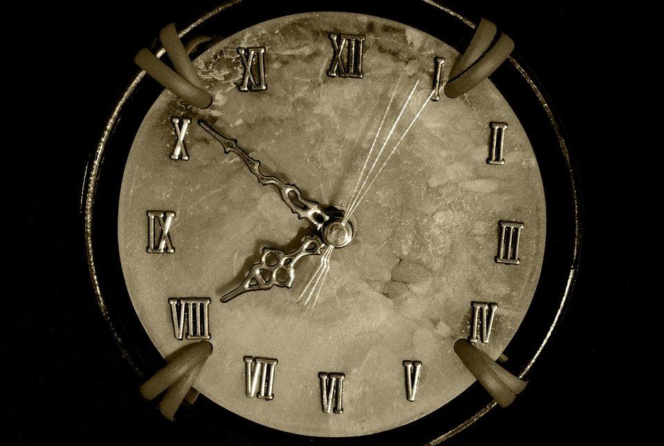 Horloge-Lettres d'A de Nicolas B-ParisBazaar-Briançon