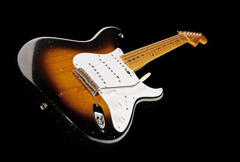 Nous Sommes ce que nous Fûmes-Stratocaster-Buddy Holly-ParisBazaar-Bergman