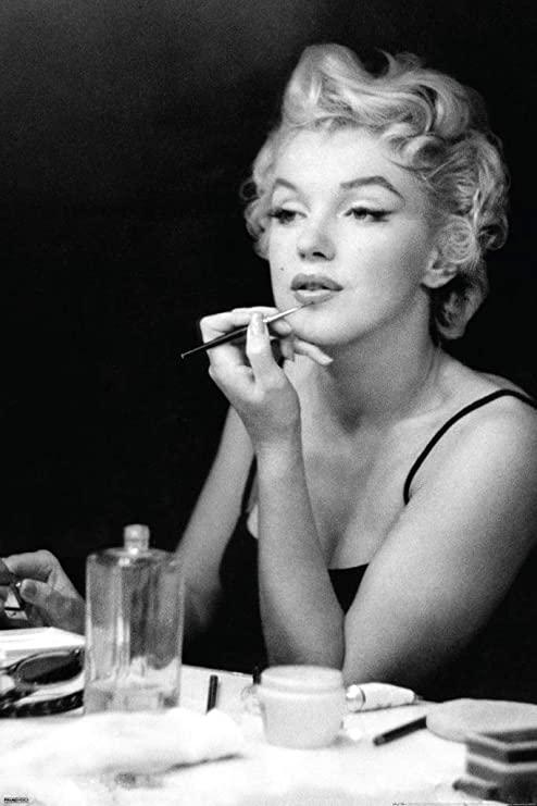 Nous Sommes ce que nous Fumes-Marylin-Lipstick-ParisBazaar-Bergman