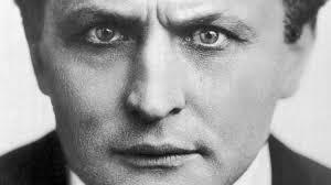 Nous Sommes ce que nous Fumes-Houdini-ParisBazaar-Bergman