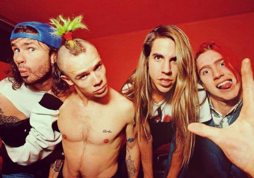 Red-Hot-Chili-Peppers-Souvenirs Pimentés-Ouv-ParisBazaar-Borde